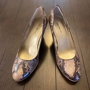 "Bandolino 3"" wedges snakeskin and wood print"